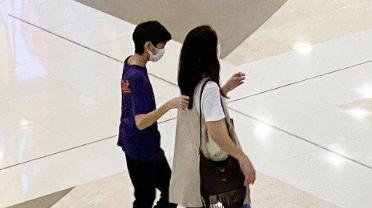 袁咏仪与儿子逛街感情好 曾因太严格魔童要换妈